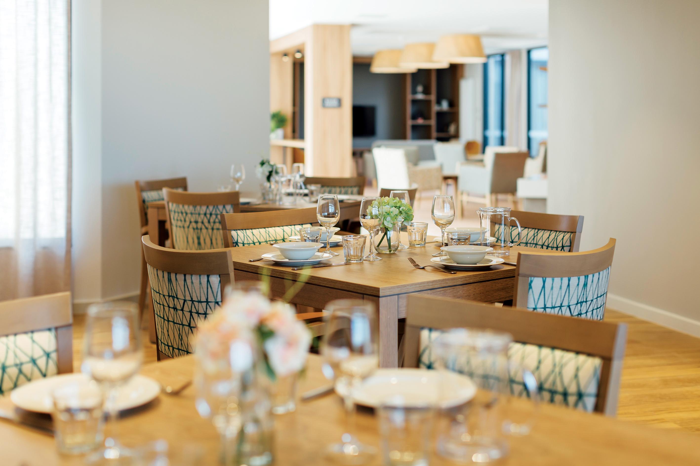 Wattle Grove dining area 0467